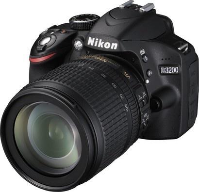 Nikon D3200+18-105 + čtečka karet