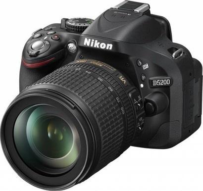 Nikon D5200 + 18-105 AF-S DX VR