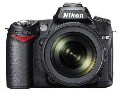 Nikon D90 + 18-105 AF-S DX VR