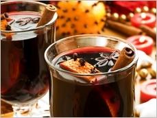 Svařené víno s oříšky