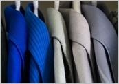 Vyndejte prádlo ze sušičky včas